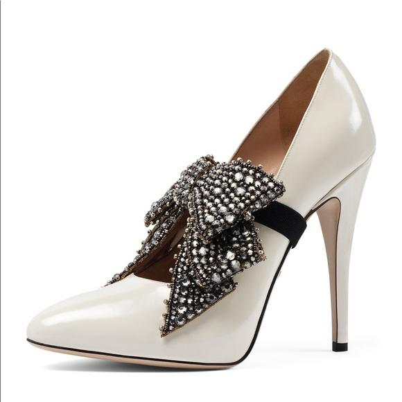 c51a28dca39 Gucci magnolia white heels